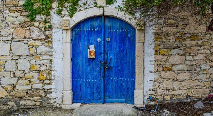door-3236154_1920